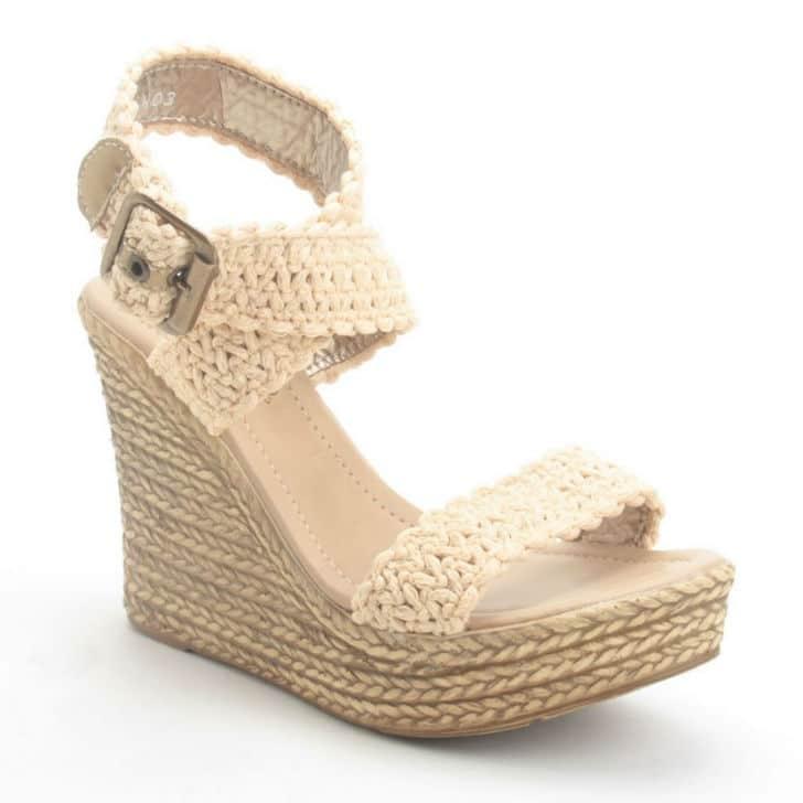 sandalia estilo plataforma