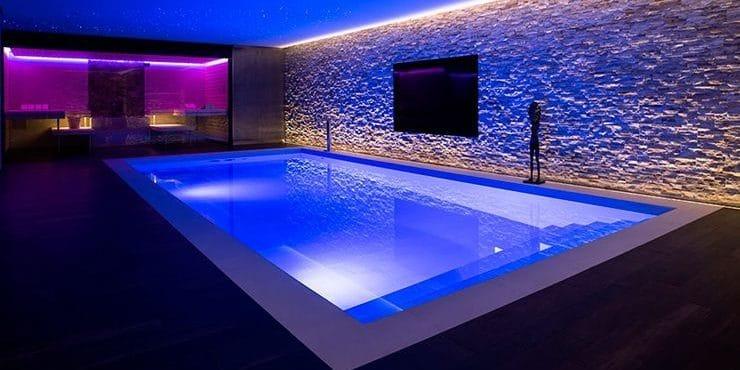 piscinas iluminadas imagen