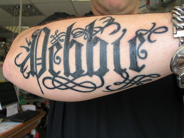 tatuaje-letras-góticas