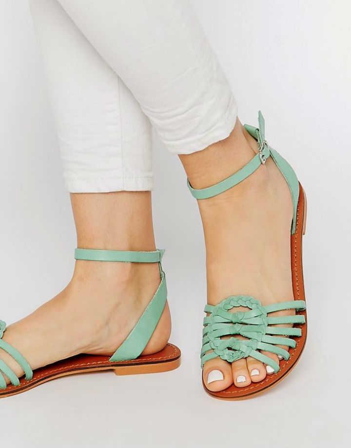estilos de sandalias planas