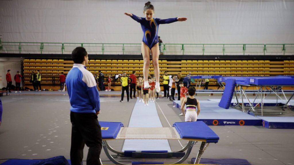 gimnasia de trampolín imagen